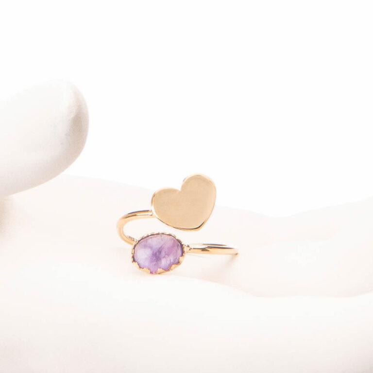 Anello piccolo contrariè oro cuore cabochon ametista 1