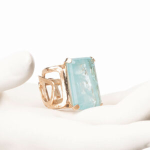 Anello fascia alta oro pietra rettangolare acquamarina 1