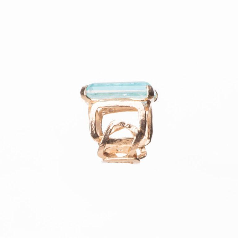 Anello fascia alta oro pietra rettangolare acquamarina 3