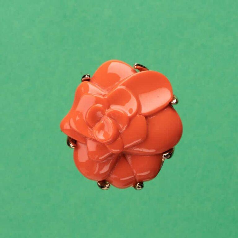 Spilla color corallo arancio modello camelia 3
