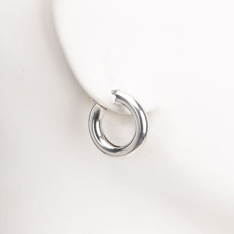 Orecchini perno cerchio canna larga argento lucido 1