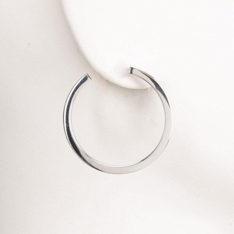 Orecchini perno cerchio canna quadrata argento lucido 1