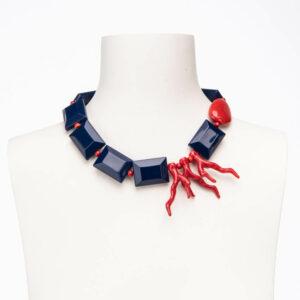 Collana corta girocollo cialde blu rametti corallo