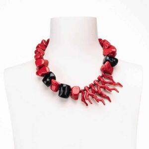 Collana corta rami corallo dadi rosso corallo neri